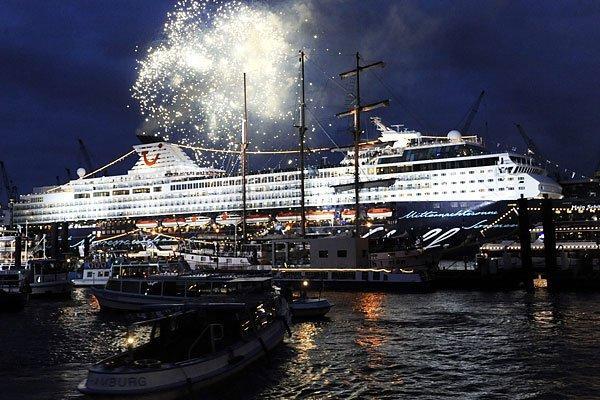 Презентация круизного корабля Mein Schiff в Гамбурге