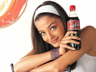 «Кока-Кола» призналась, что делает свой напиток из червяков